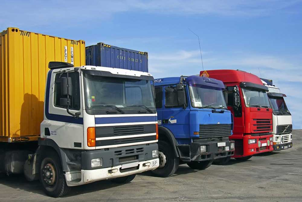 Finding The Right Commercial Truck Insurance